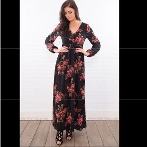 Filly Flair long sleeve black & floral maxi